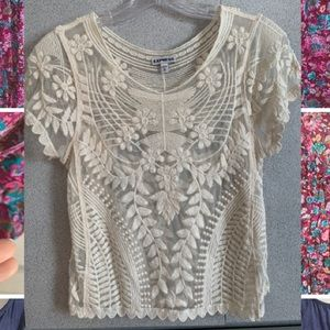Beige short sleeved lace shirt
